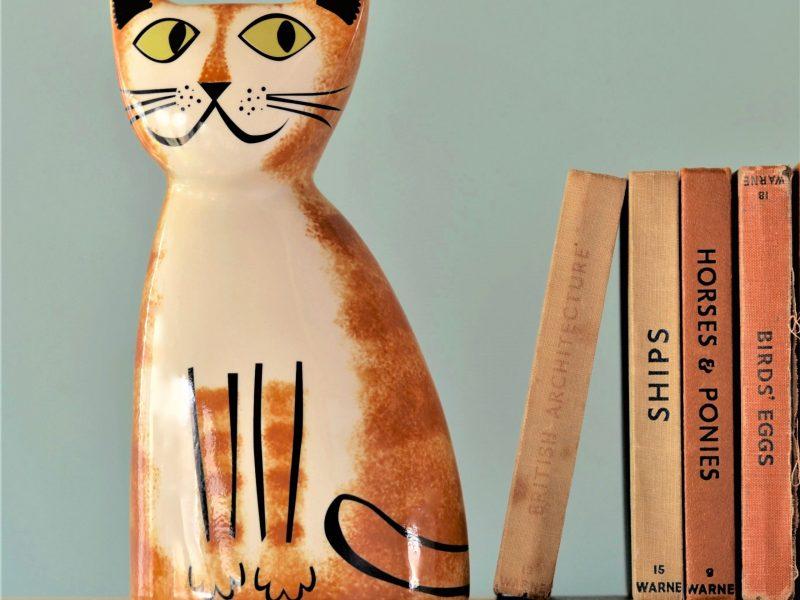 a ceramic cat